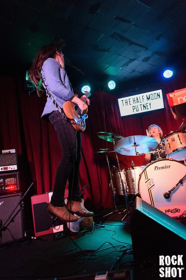 Buck and Evans performing at The Half Moon Putney, 6th November 2015 (Simon Reed)