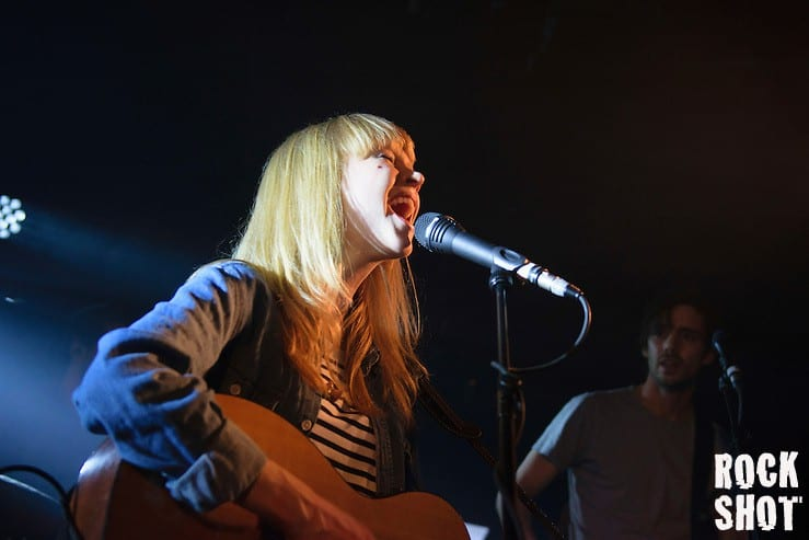 Vision: Lucy Rose – Shiver Video from Live At Urchin Studios.
