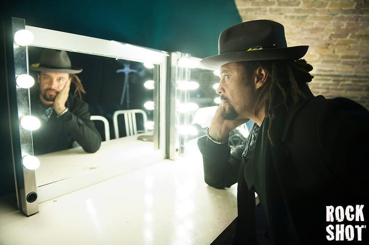 Interview: Michael Franti, Power To The Peaceful.