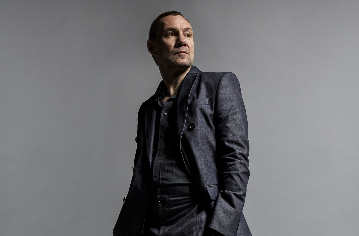 David Gray Sails Away On A Tight Ship