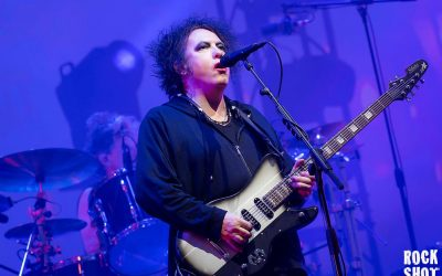 The Cure Are Just Like Heaven At Glastonbury